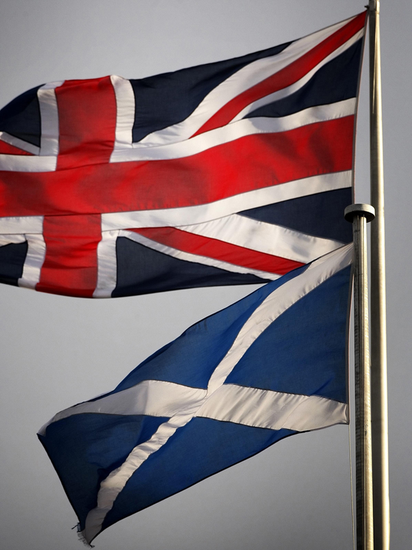 New poll shows referendum narrowly balanced with slimmest majority for the union.