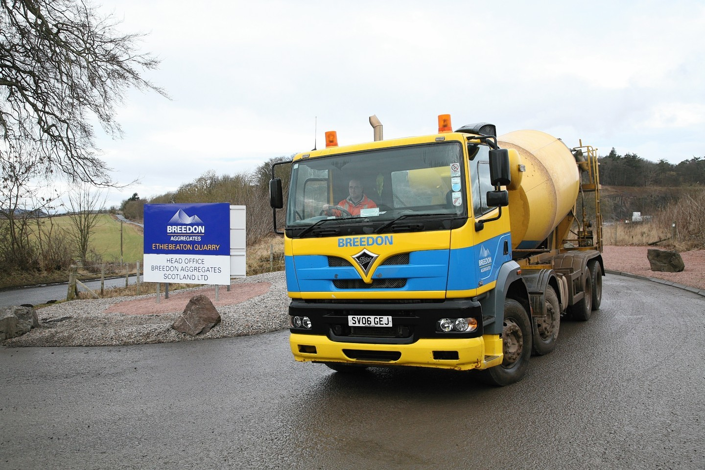Breedon Aggregates has won a contract to supply materials for the A9 dualling.
