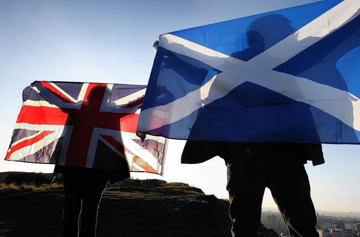 Campaigners on both sides in the independence referendum spent  almost £6.7million.