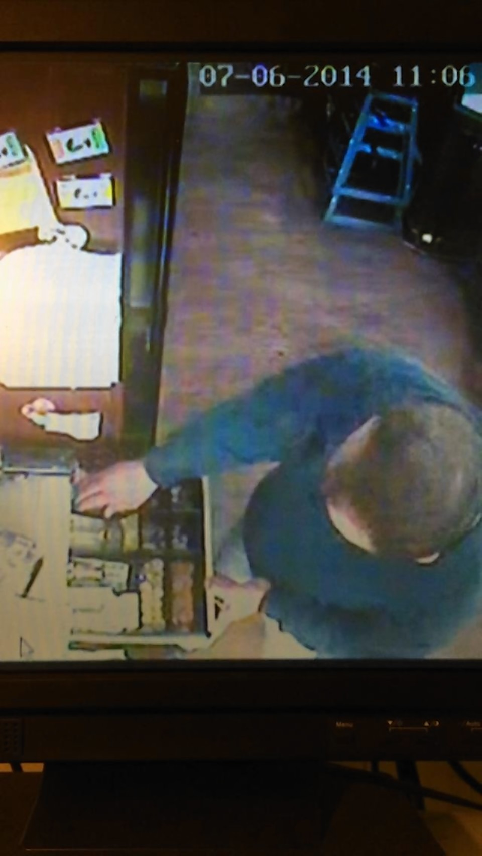 Police are searching for the man seen in this CCTV image in La Lombarda restaurant, Aberdeen