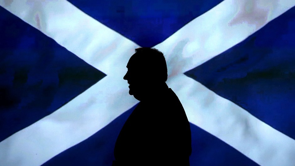 Alex Salmond has promised  to devolve power to island communities if people vote for independence