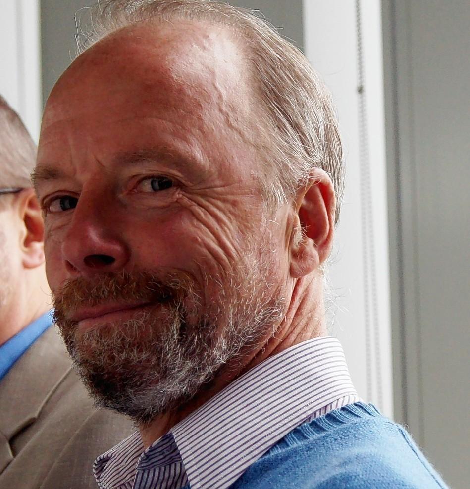 Dr Stewart Rhind