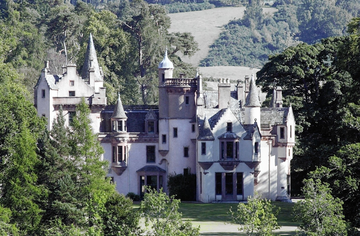 Aldourie Castle at Loch Ness