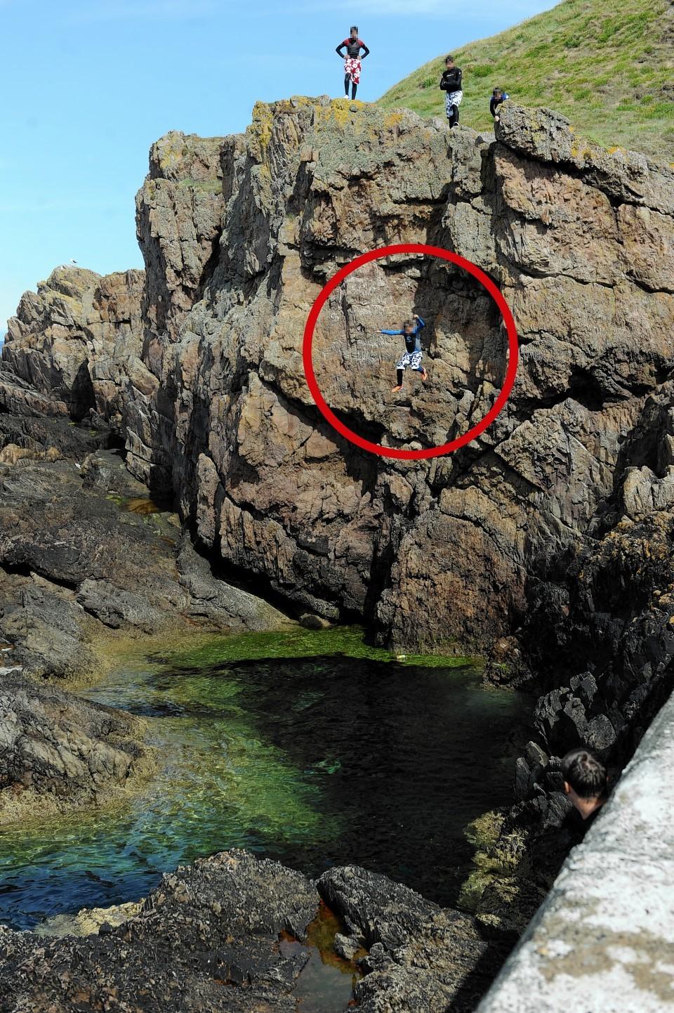 Children 'tombstoning' in Moray
