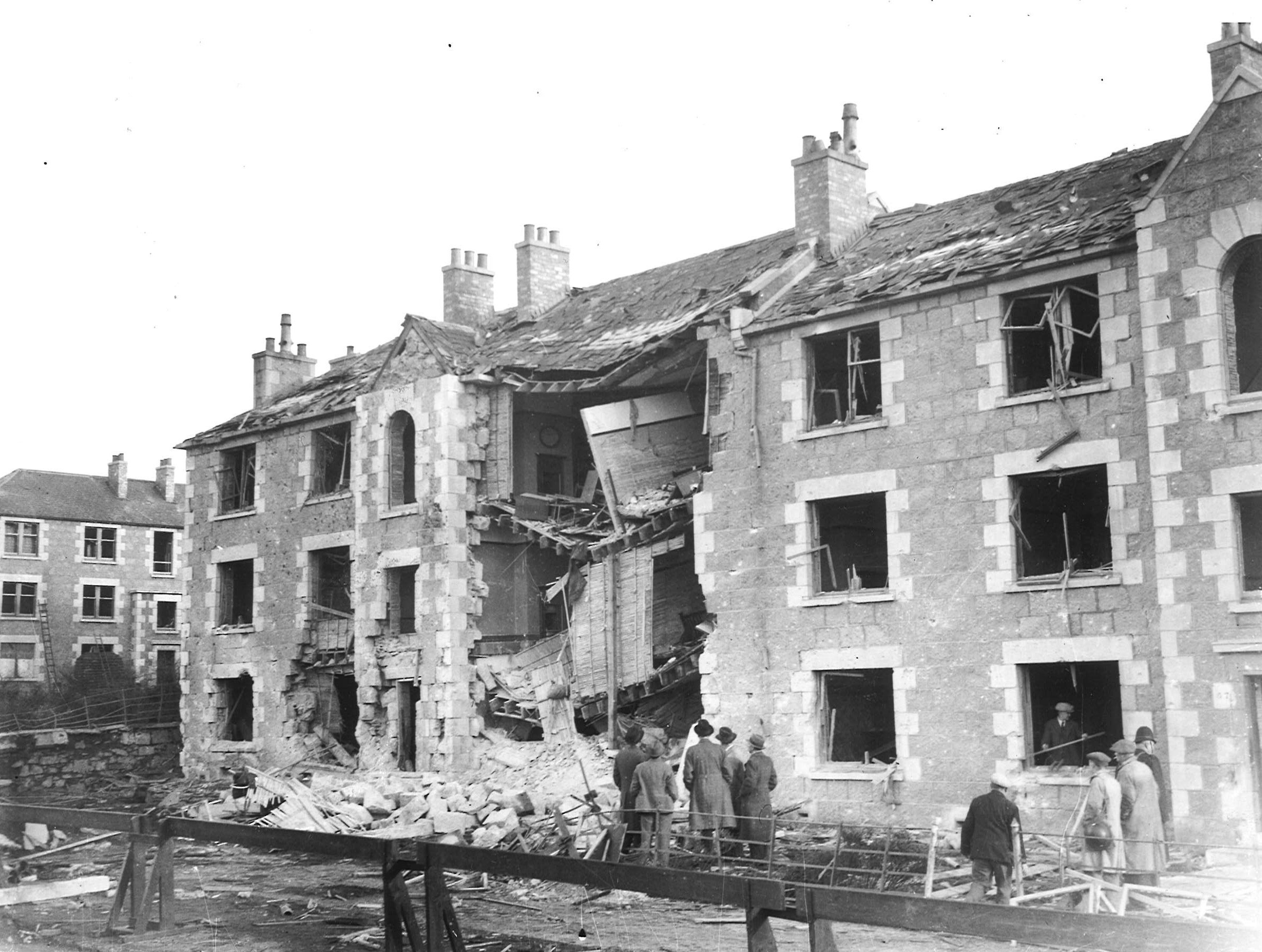 Damage after an air raid on Wellington Road, 4 November 1940