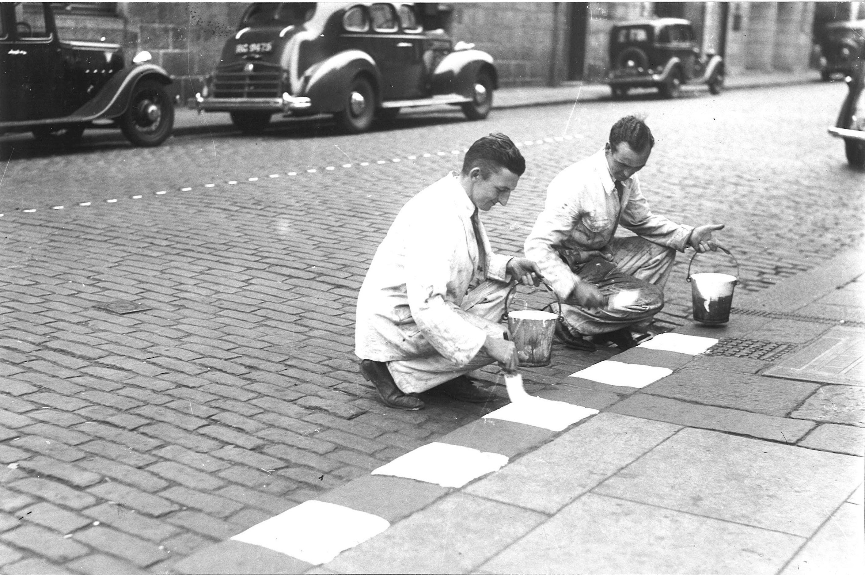 Pavements' edges were painted so they could be seen during blackouts