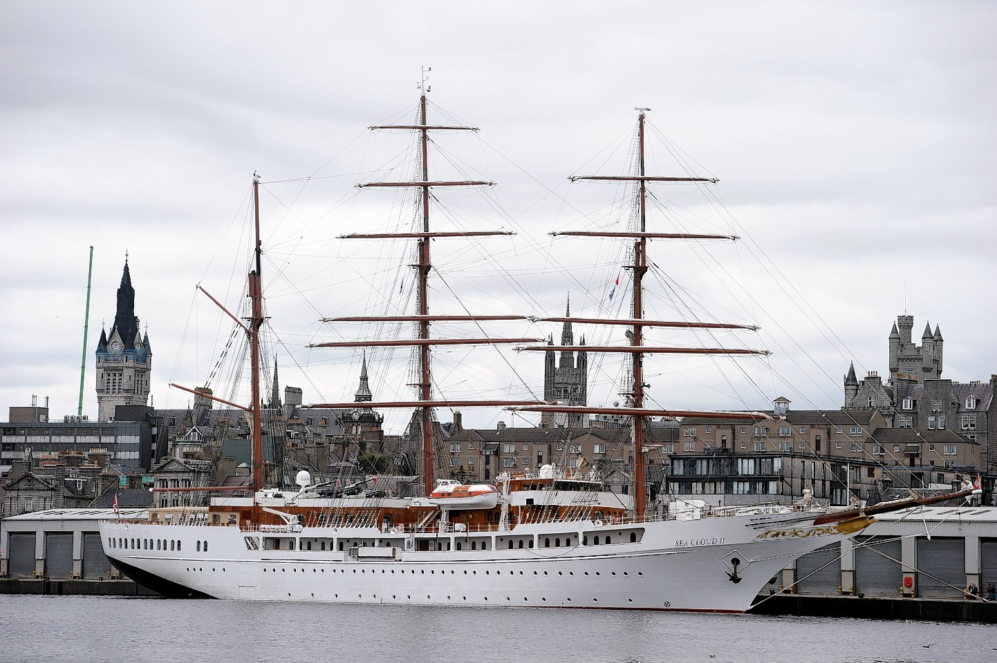 Five star cruise ship anchors in aberdeen press and journal for Five star motors aberdeen