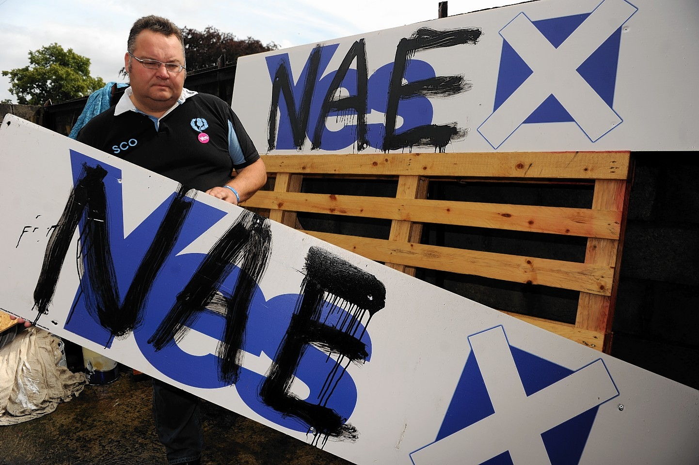 Graffiti on Yes campaign posters