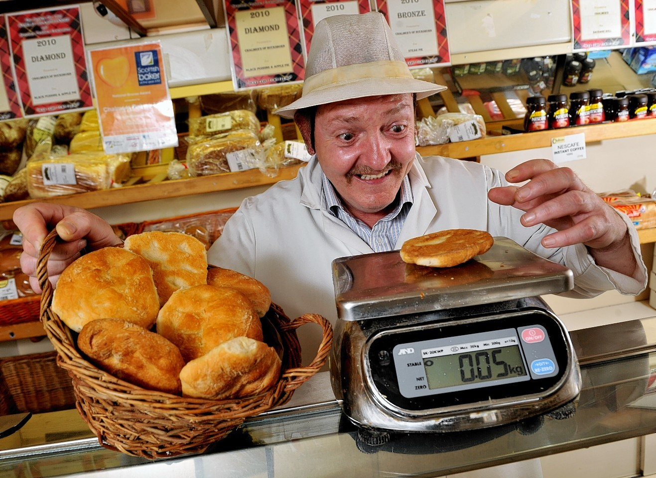 Chalmer's baker weighs up its Rowies