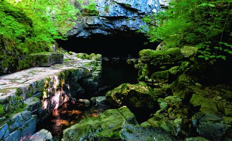 Porth yr Ogof cave