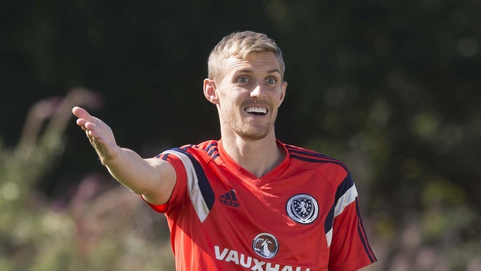 Scotland's Darren Fletcher could move to Valencia, West Ham or West Brom to secure first team football