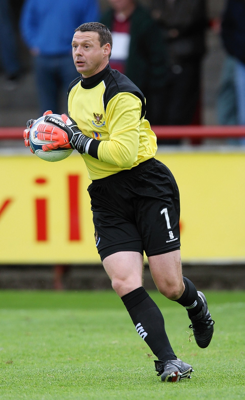 Main playing for St Johnstone