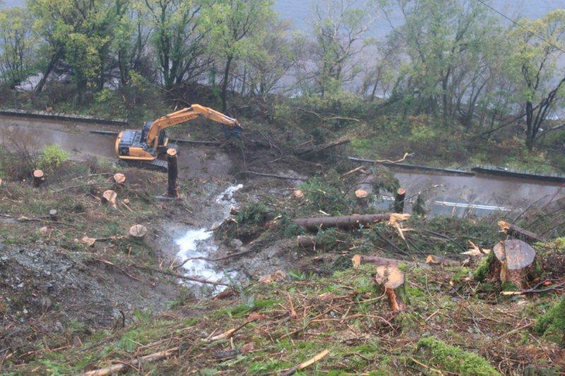 Clearing up operations after the landslide at Glen Righ on the A82