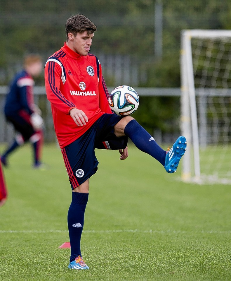Robbie Muirhead could still join Dundee United tonight