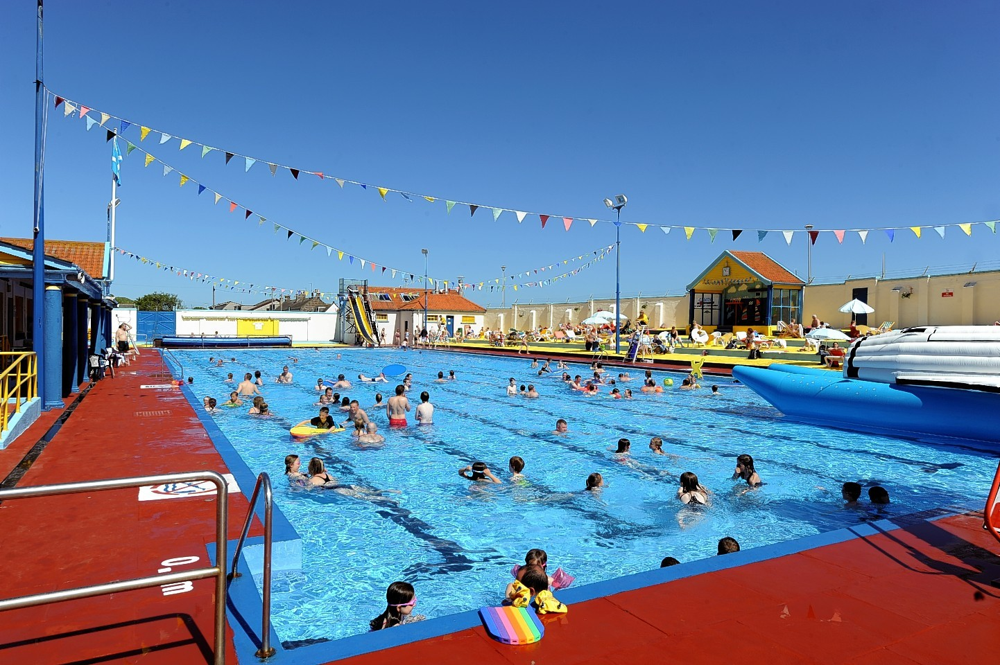 north east 39 s only open air swimming pool closes for the season press and journal