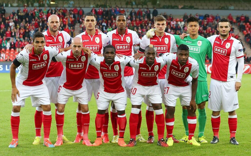 Tony Watt lines up alongside his Standard Liege team mates
