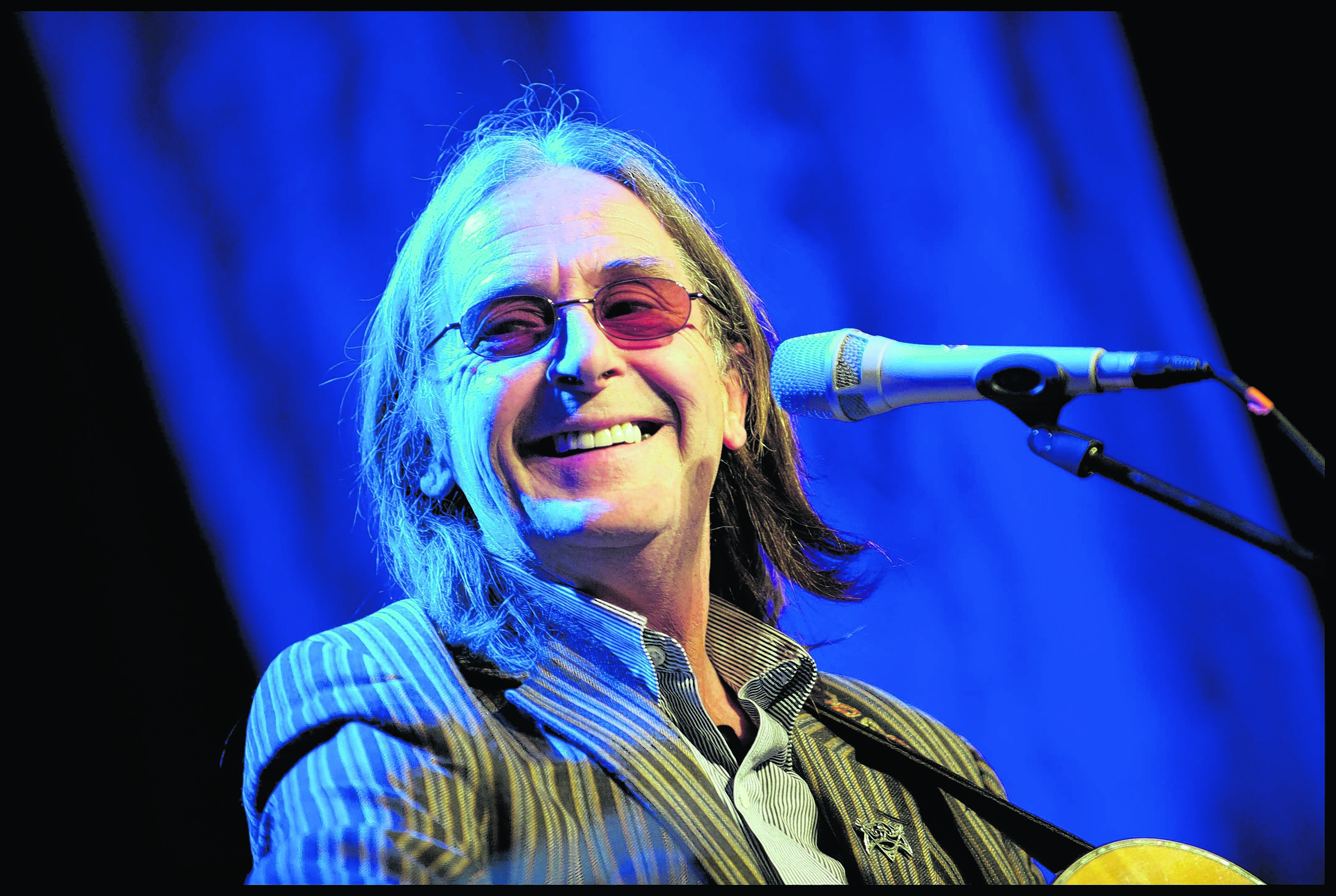 Dougie MacLean - Photo courtesy of Rob McDougall