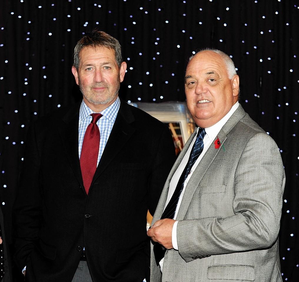 Graham Gooch and Phil Gill, ACA Grades President, at the Grades Dinner at Westhill Inn