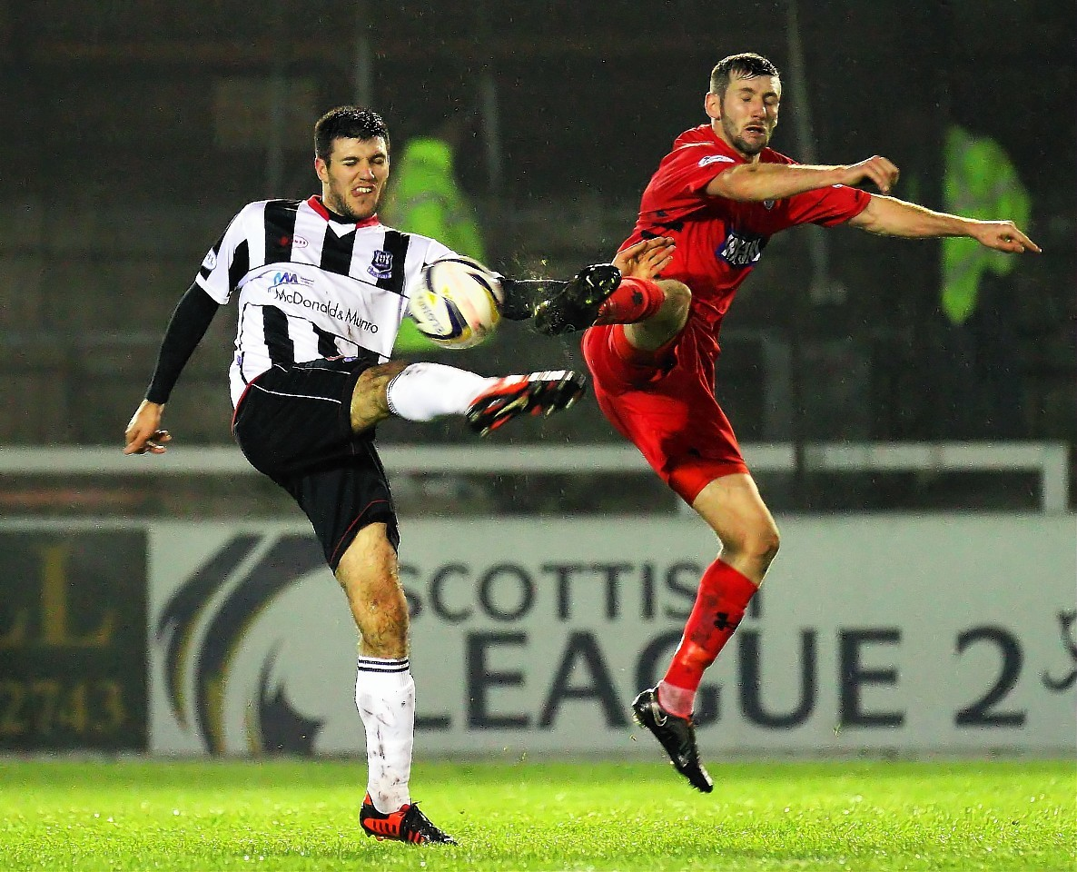 Matthew Cooper in action for Elgin City.
