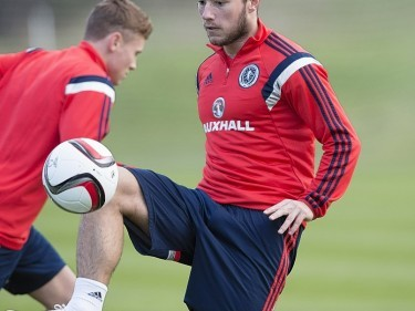 Stevie May thanks Preston manager Alex Neil for allowing Aberdeen move to happen