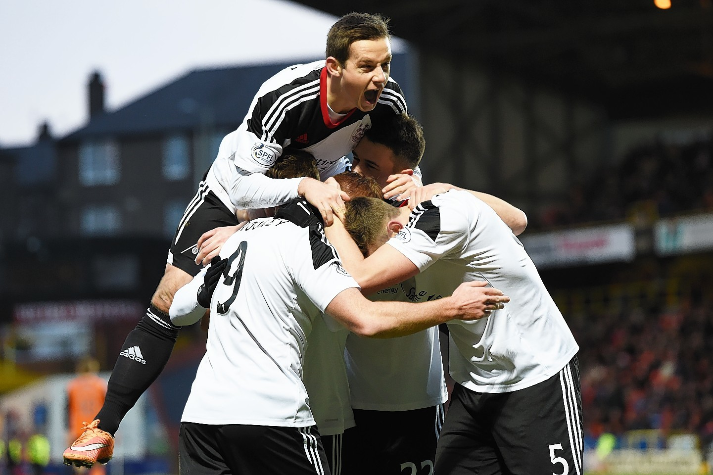 Aberdeen celebrate Rooney opening goal