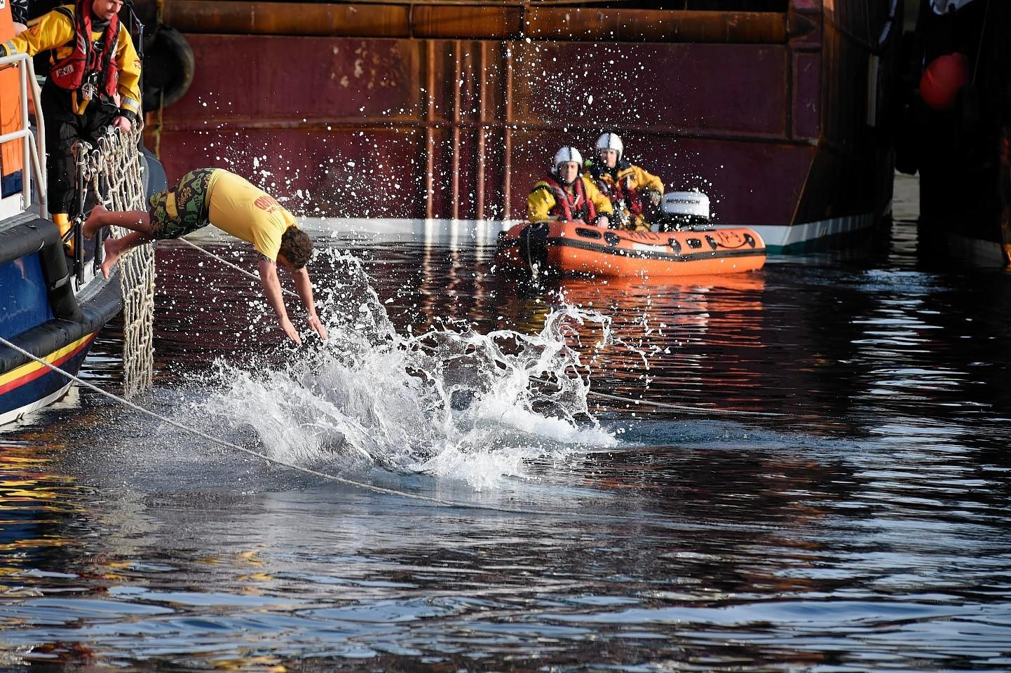 Fraserburgh-Boxing-day-swim.jpg