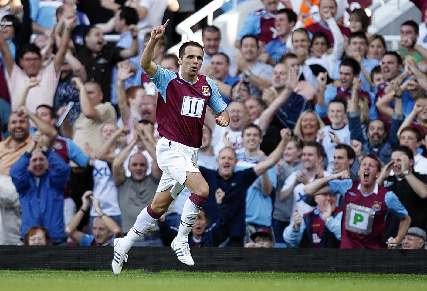 Former West Ham winger Matthew Etherington, who recently retired, is one of a number of players who have struggled with gambling addictions