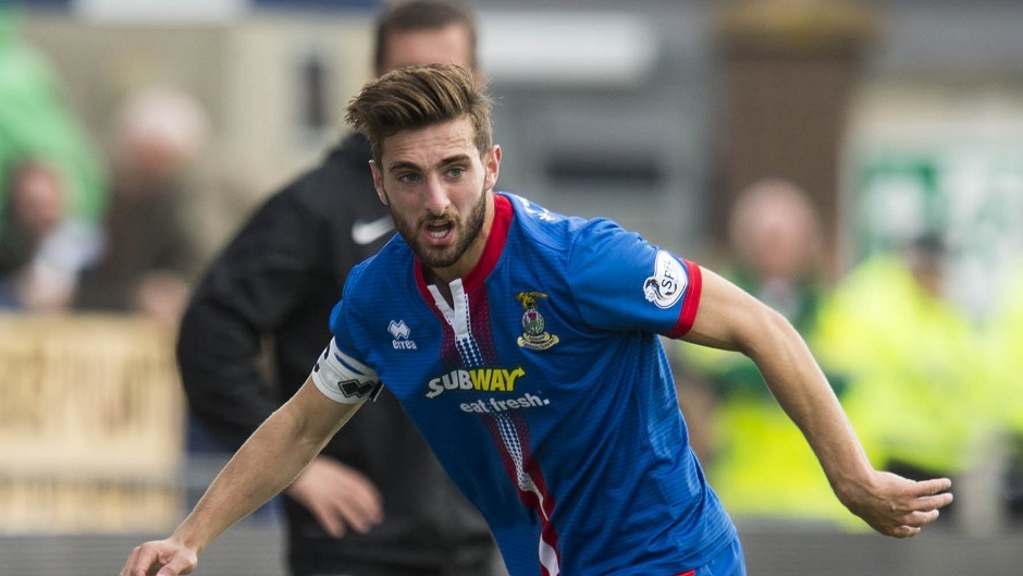 Graeme Shinnie will join the Dons in June