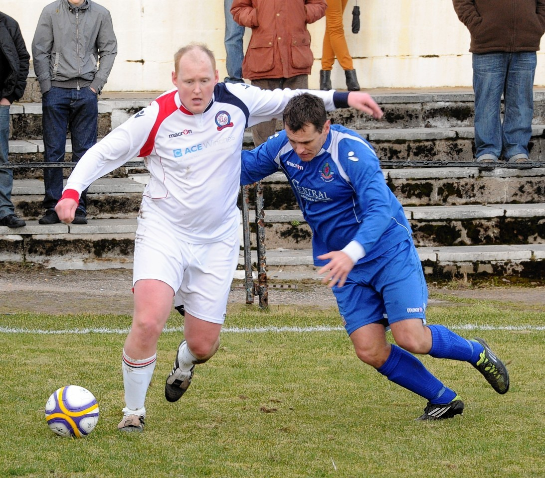 Mike McKenzie in action for Turriff