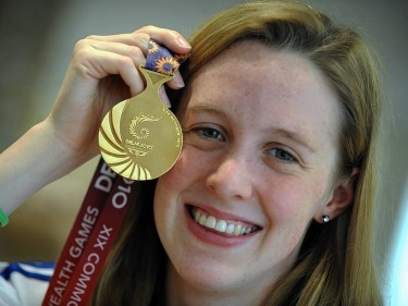 Hannah Miley with her gold medal