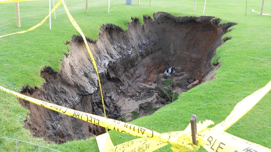 The huge sinkhole opened up following torrential rain at the end of last year (Traigh Golf Course/PA Wire)