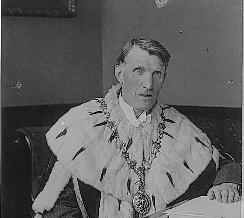 Sir Alex MacEwen