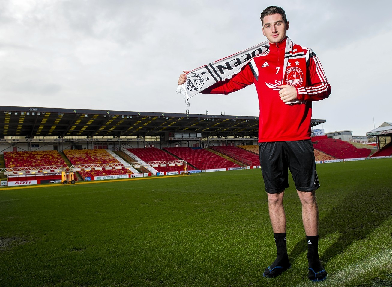 Kenny McLean was officially unveiled as a Dons player today
