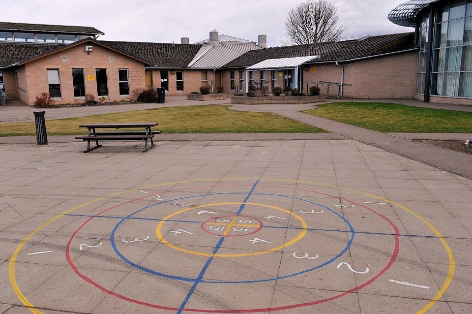 Lhanbryde-primary-school.jpg