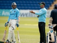 Marvan Atapattu, centre, is wary of England ahead of their World Cup clash on Sunday