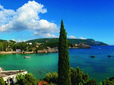 Perilously pretty view from Belvedere Restaurant in Paleokastritsa, Corfu.