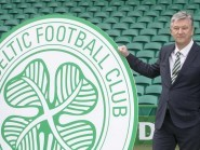 Peter Lawwell has defended the majority of Celtic fans