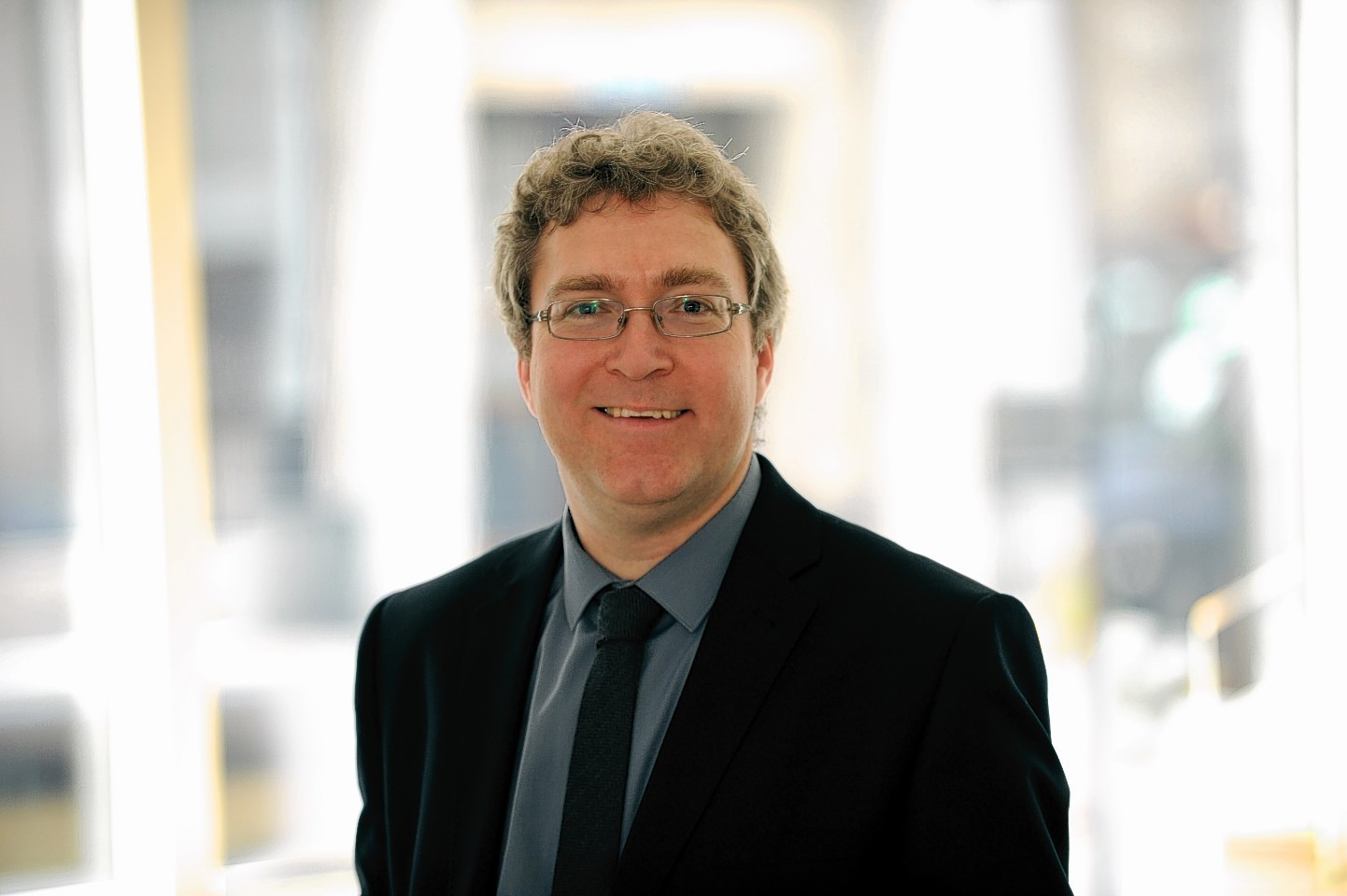 Dr Stuart Thomson