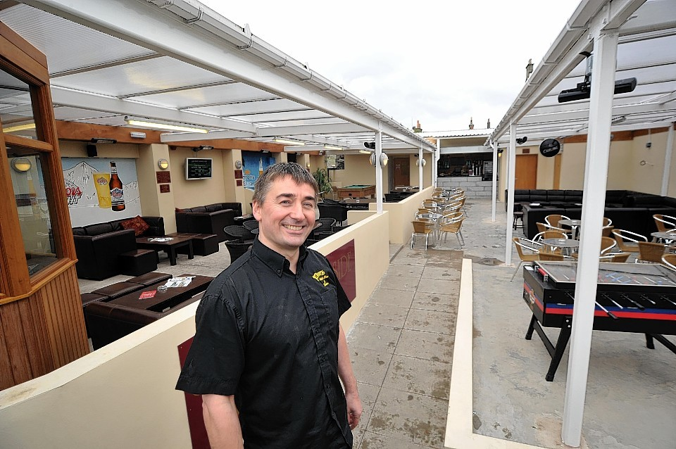 Cheers was handed a Scottish Thistle award for being the friendliest pub/bar.