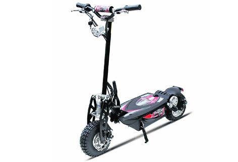 This top-of-the-range EVO scooter accepts almost any surface challenge you'd care to put in its way