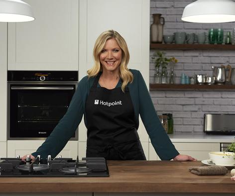 Lisa Faulkner has just released her third cookbook, Tea & Cake