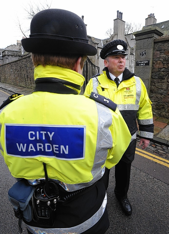 Councillor calls for new traffic warden powers