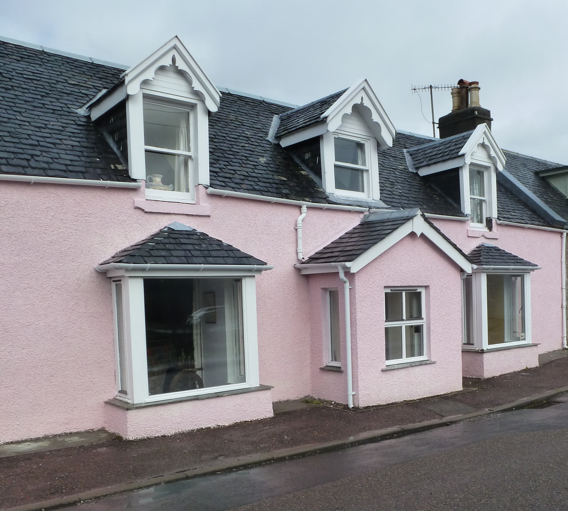 House Finding Websites: You'll Have No Trouble Finding This House In Plockton