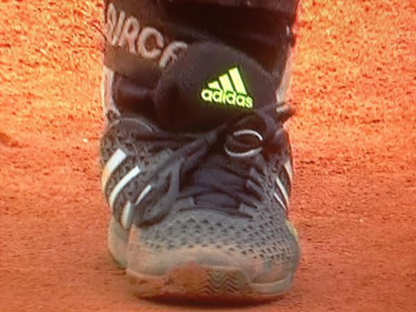 Andy Murray wore his wedding ring on his shoelace as he won his 32nd career title today.