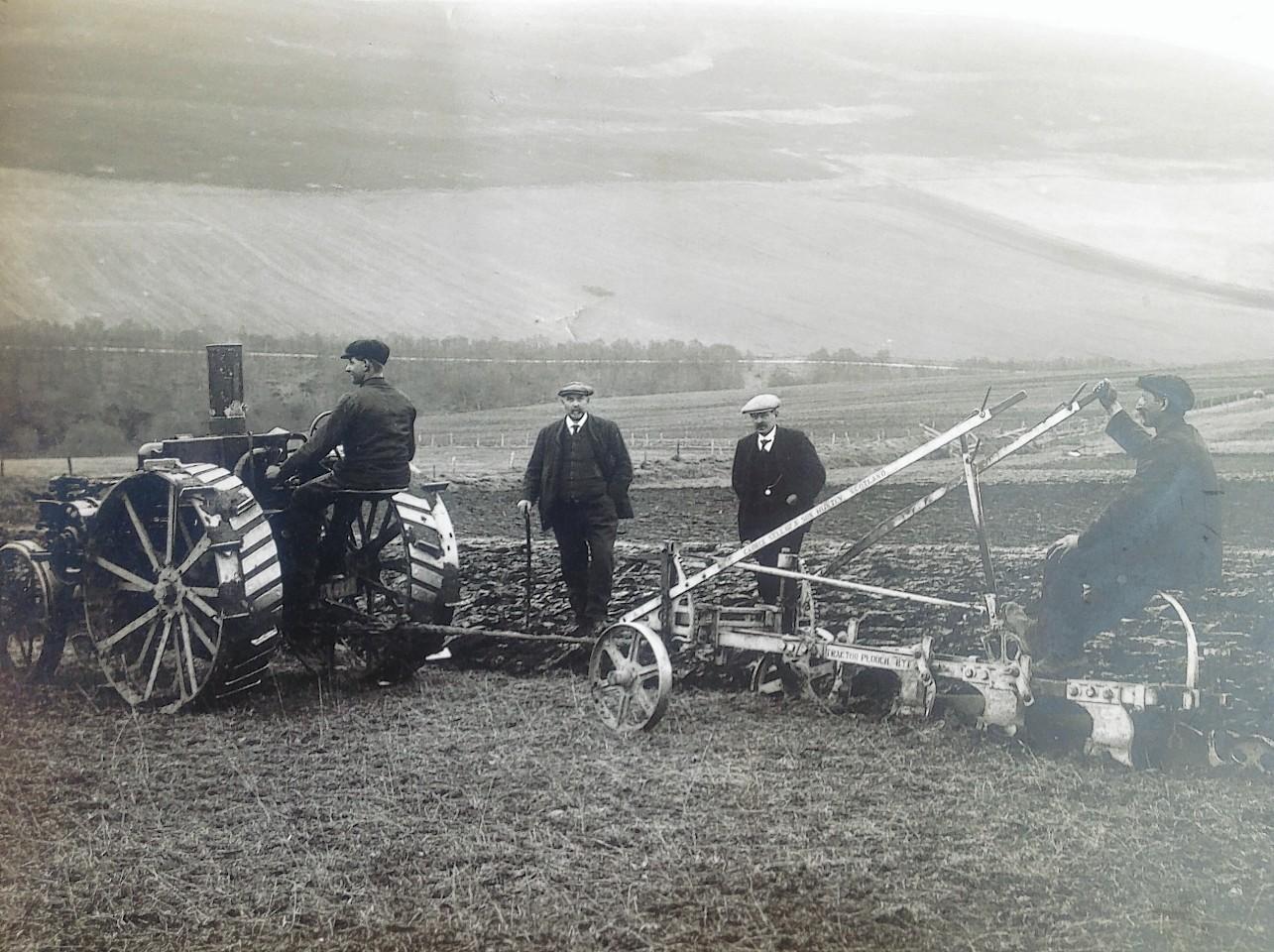 An 8-16 IHC Mogul and Sellars plough at work near Huntly during World War 1.