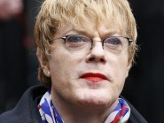 Eddie Izzard is joining the Labour election campaign in Scotland