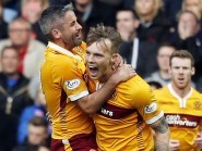 Motherwell boss Ian Baraclough wants his players to repeat their Ibrox mentality