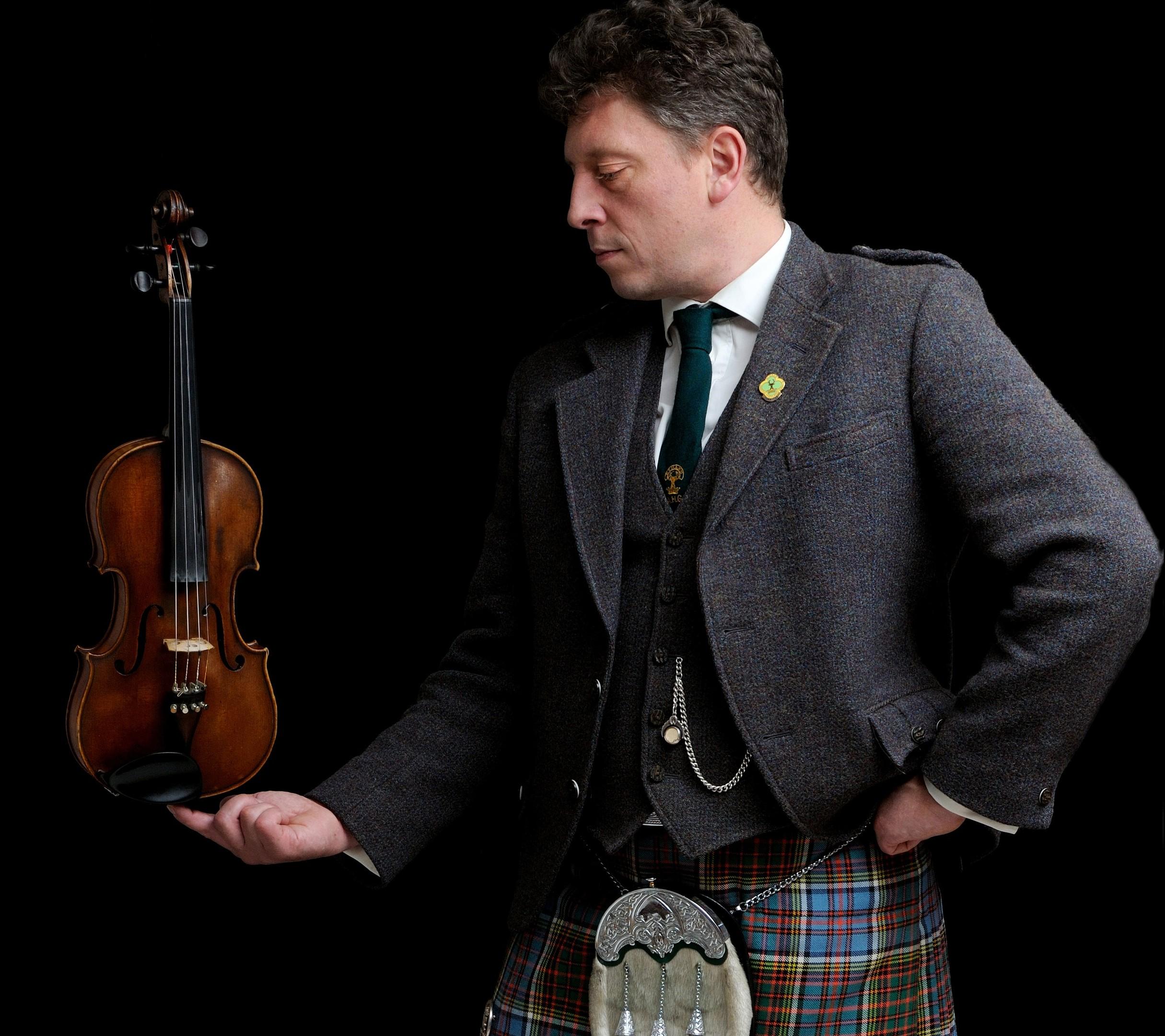 Tarland fiddler Paul Anderson
