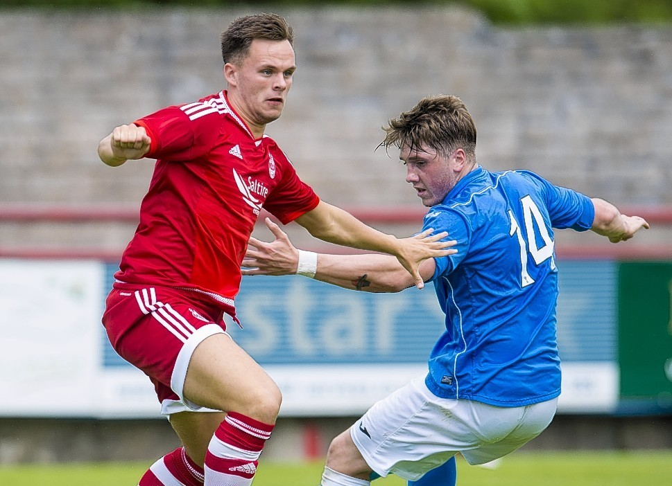 Aberdeen's Lawrence Shankland has joined Morton