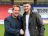 County assistant Billy Dodds with new signings Stewart Murdoch. Picture by Mags Matheson.